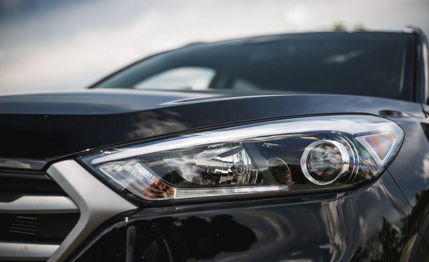 2016 Hyundai Tucson 2.0L - Slide 11