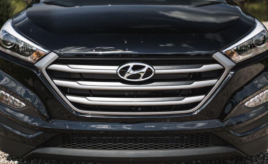 2016 Hyundai Tucson 2.0L - Slide 12