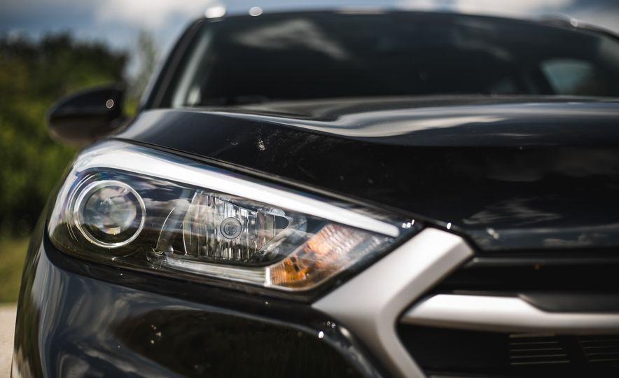2016 Hyundai Tucson 2.0L - Slide 14