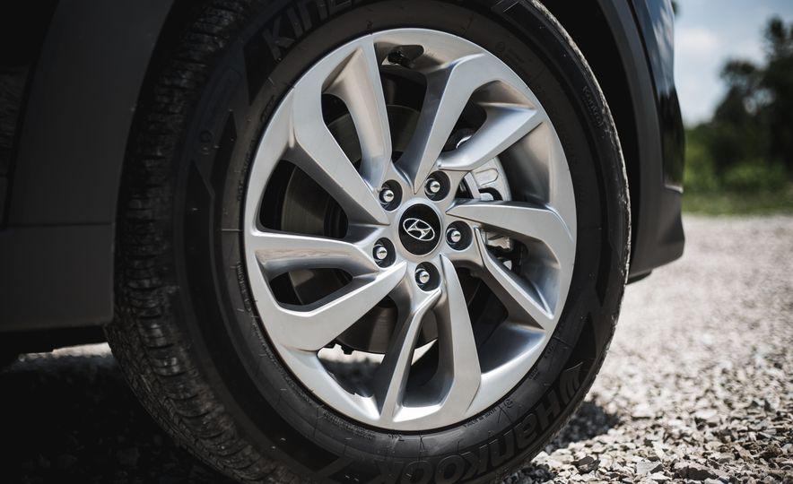 2016 Hyundai Tucson 2.0L - Slide 15