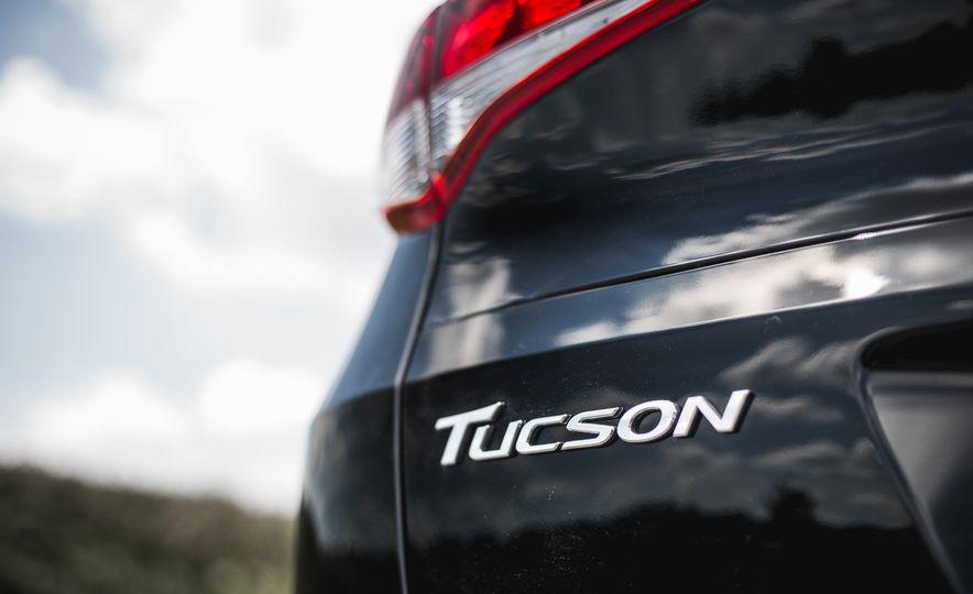 2016 Hyundai Tucson 2.0L - Slide 17