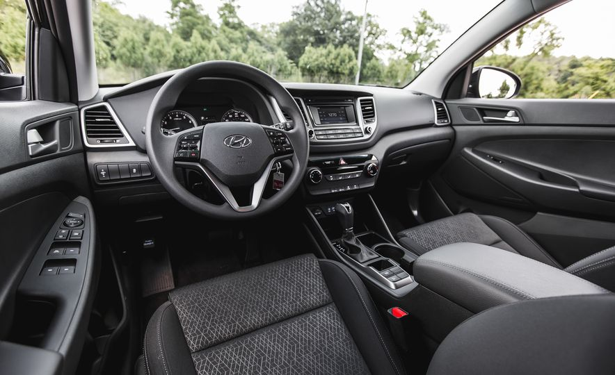2016 Hyundai Tucson 2.0L - Slide 19