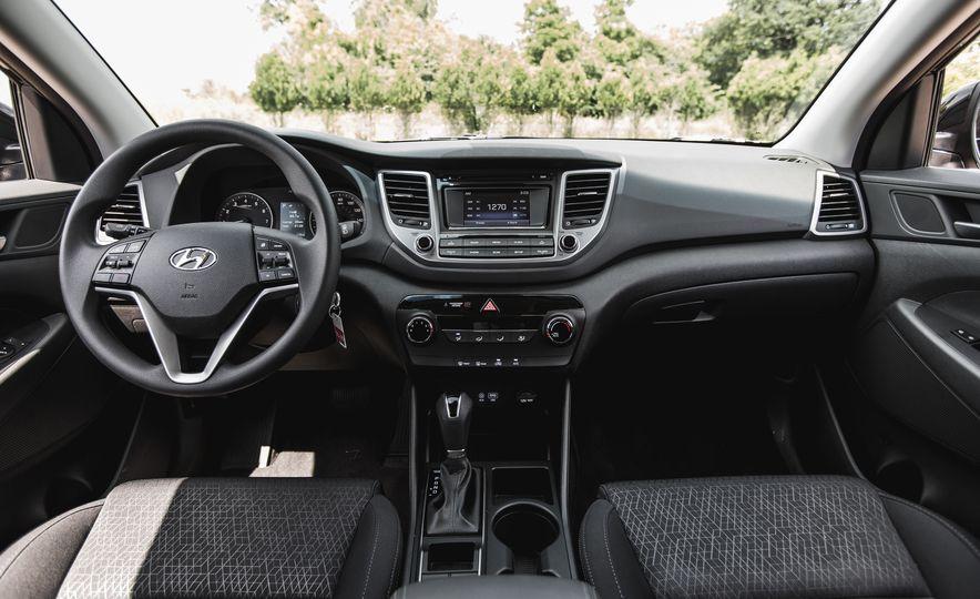 2016 Hyundai Tucson 2.0L - Slide 20