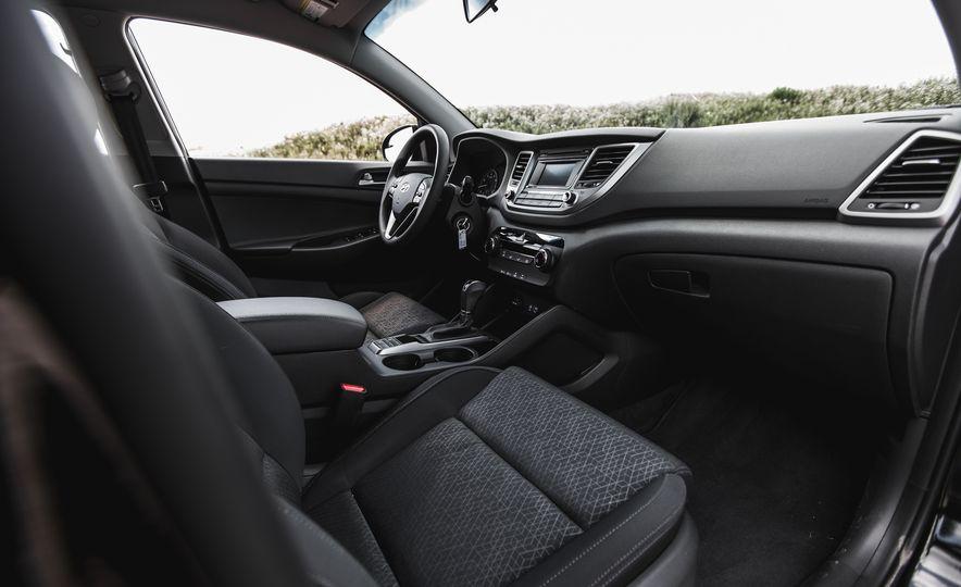 2016 Hyundai Tucson 2.0L - Slide 21