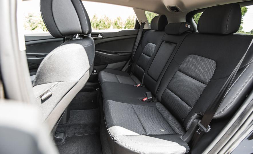2016 Hyundai Tucson 2.0L - Slide 25