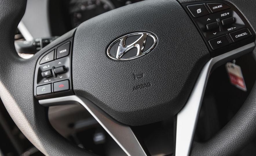 2016 Hyundai Tucson 2.0L - Slide 26