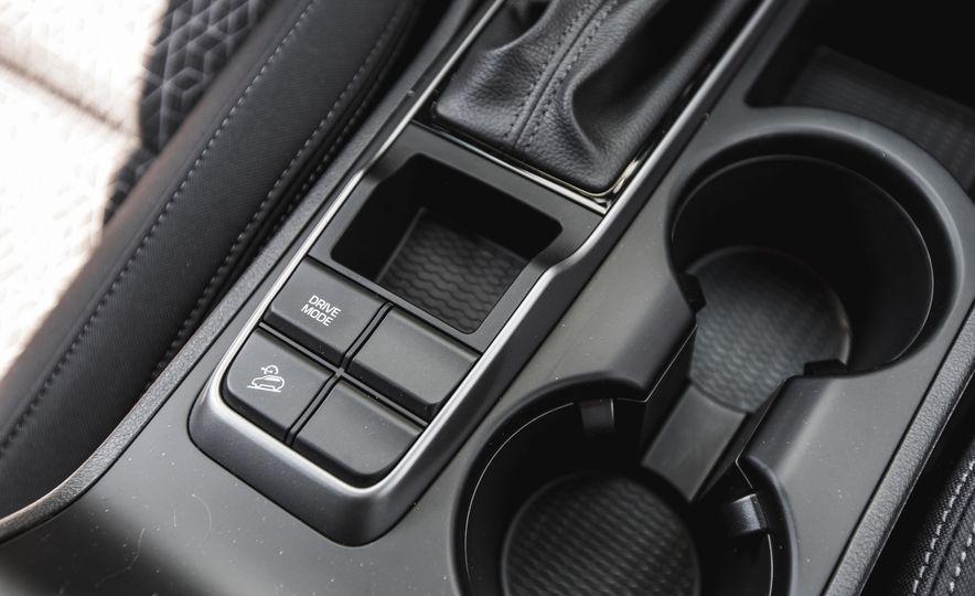 2016 Hyundai Tucson 2.0L - Slide 32