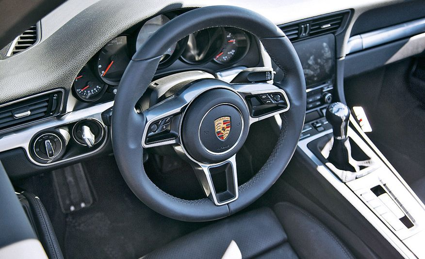 2016 Porsche 911 Carrera coupes and cabriolets - Slide 21