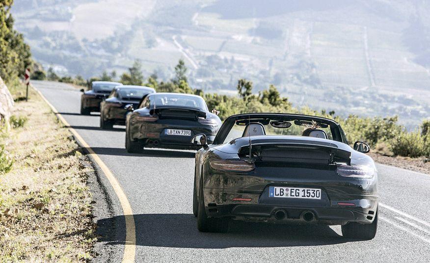2016 Porsche 911 Carrera coupes and cabriolets - Slide 6