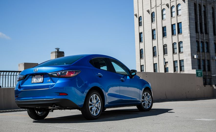 2016 Scion iA - Slide 5