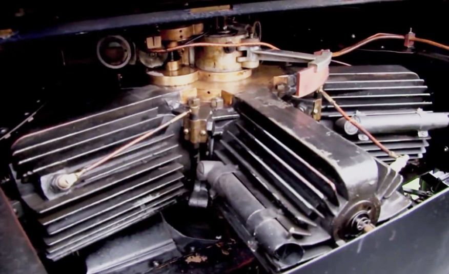 The 10 Most Unusual Production-Car Engines of All Time - Slide 20