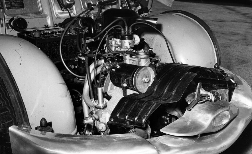 The 10 Most Unusual Production-Car Engines of All Time - Slide 10