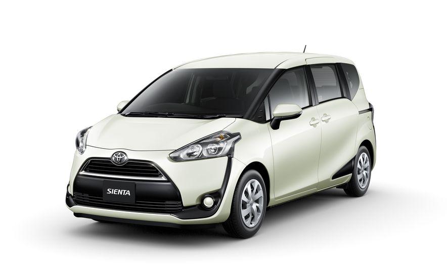 Toyota Sienta hybrid (JDM-spec) - Slide 24