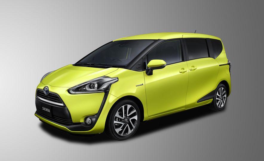 Toyota Sienta hybrid (JDM-spec) - Slide 1