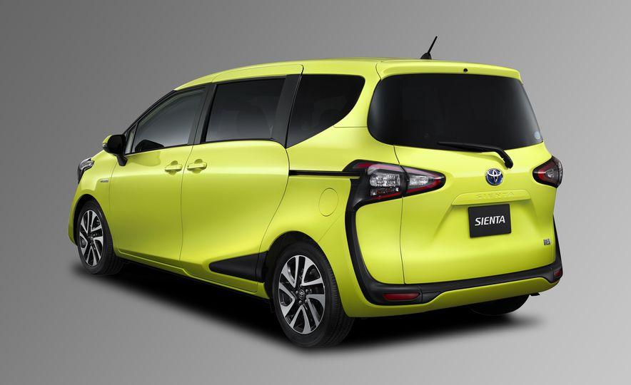 Toyota Sienta hybrid (JDM-spec) - Slide 2