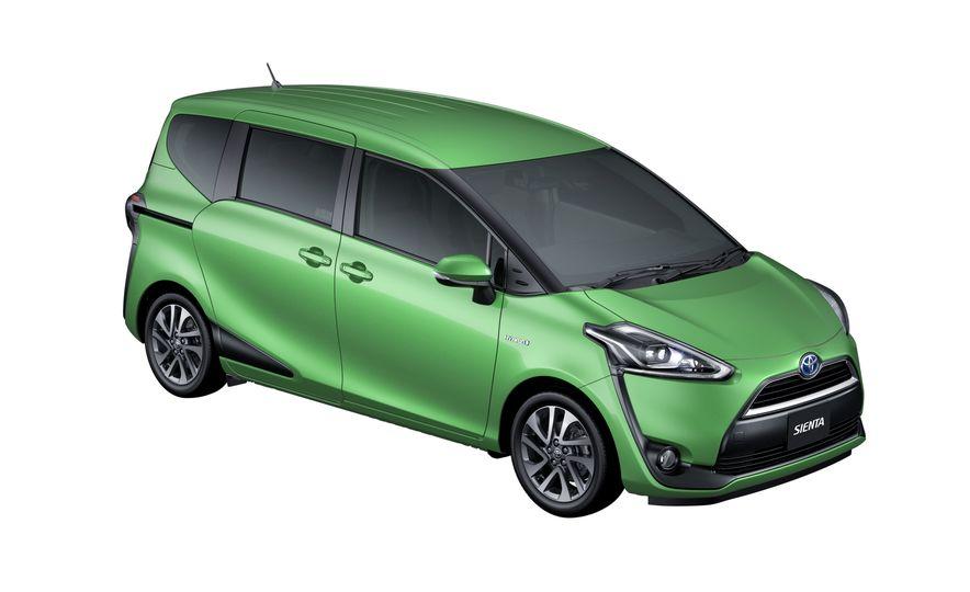 Toyota Sienta hybrid (JDM-spec) - Slide 12