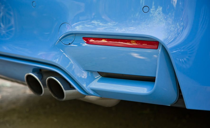 2015 Mercedes-AMG C63 S-Model, 2015 BMW M3, and 2016 Cadillac ATS-V - Slide 22
