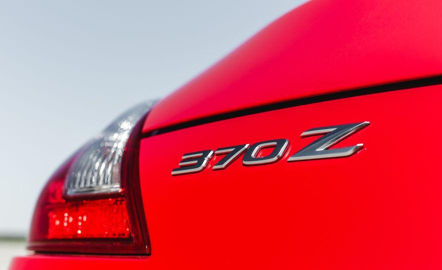 2016 Nissan 370Z - Slide 22