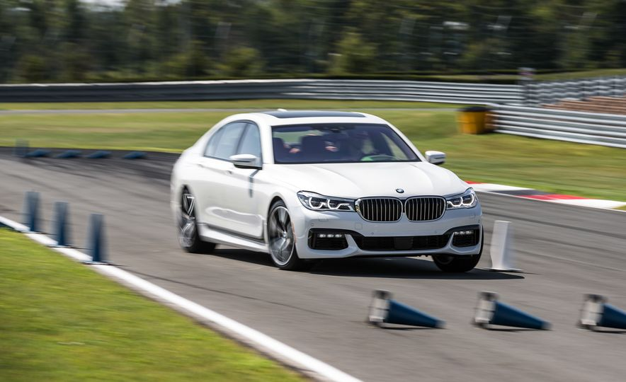 2016 BMW 340i Sport Line sedan - Slide 16