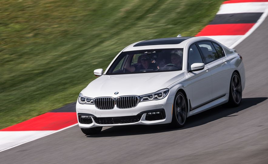 2016 BMW 340i Sport Line sedan - Slide 17