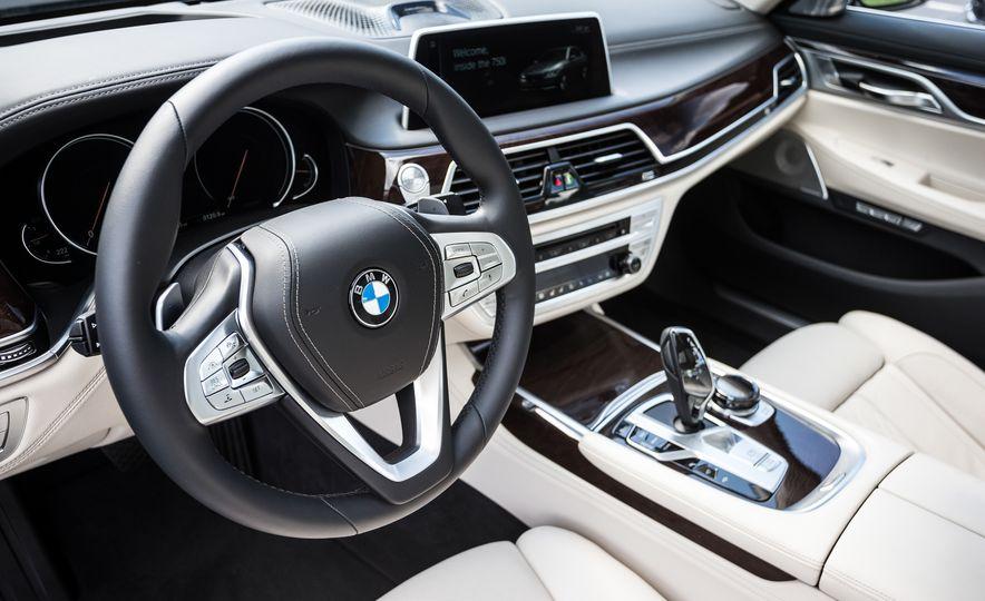 2016 BMW 340i Sport Line sedan - Slide 20
