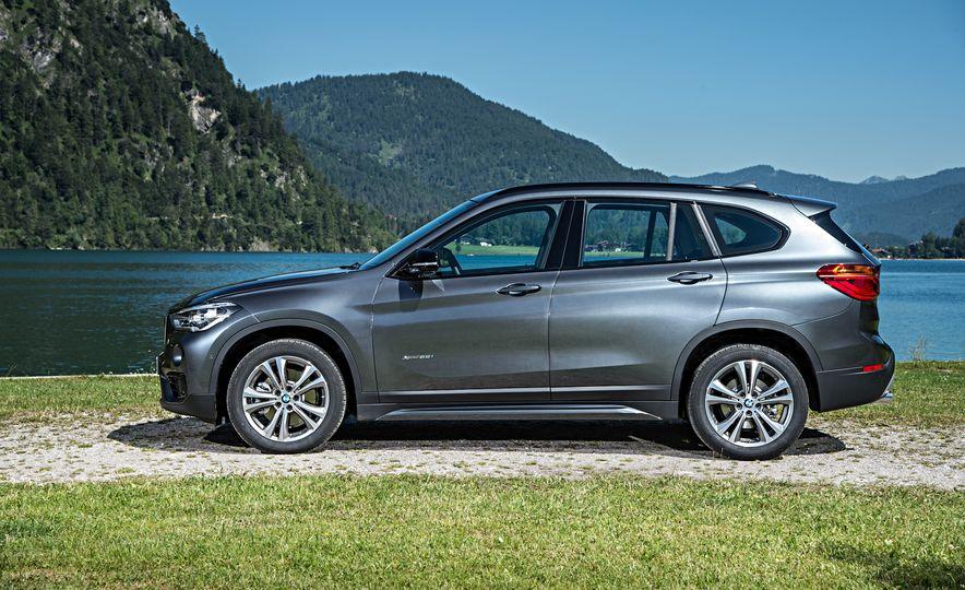 2016 BMW 340i Sport Line sedan - Slide 26