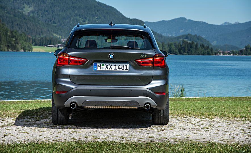 2016 BMW 340i Sport Line sedan - Slide 27