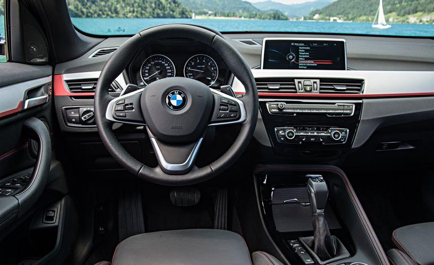 2016 BMW 340i Sport Line sedan - Slide 29