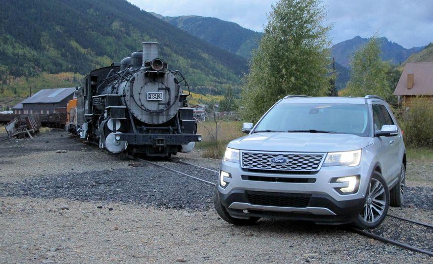 2016 Ford Explorer Platinum - Slide 5