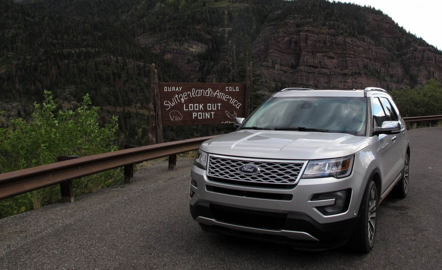 2016 Ford Explorer Platinum - Slide 6