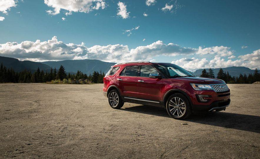 2016 Ford Explorer Platinum - Slide 13