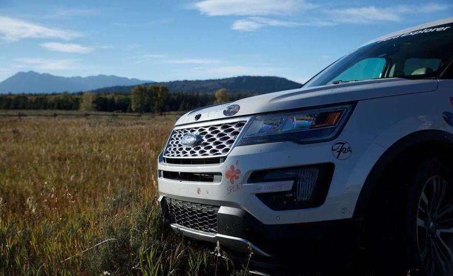 2016 Ford Explorer Platinum - Slide 23