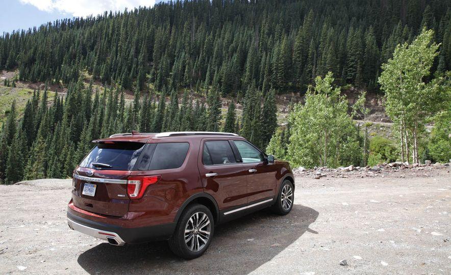 2016 Ford Explorer Platinum - Slide 31