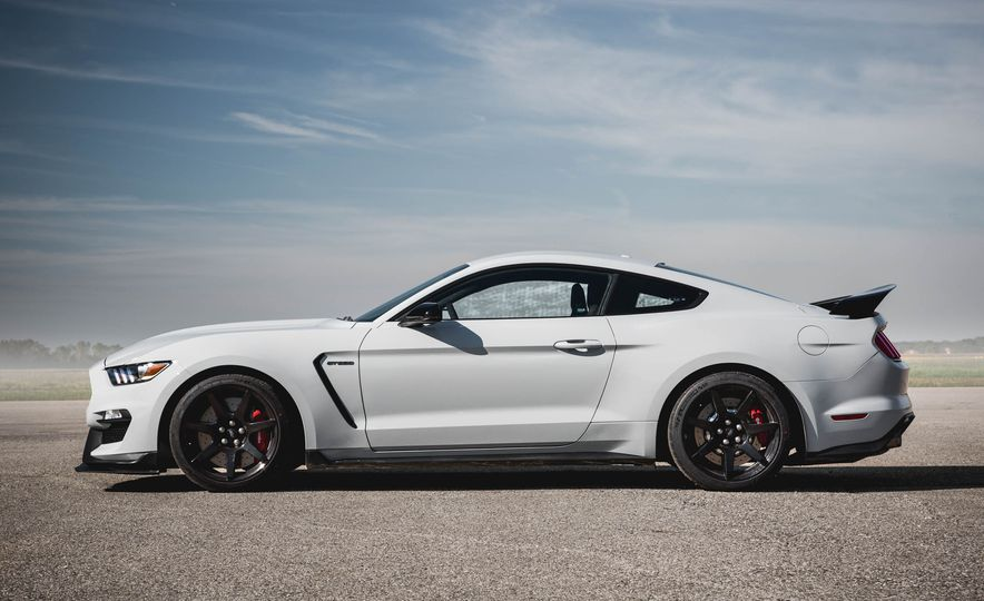 2016 Ford Mustang Shelby GT350Rs - Slide 6