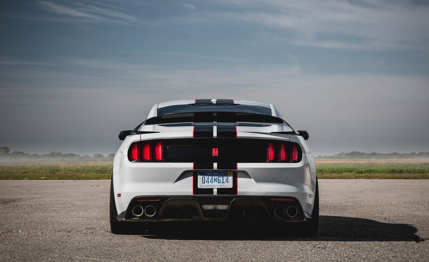 2016 Ford Mustang Shelby GT350Rs - Slide 8