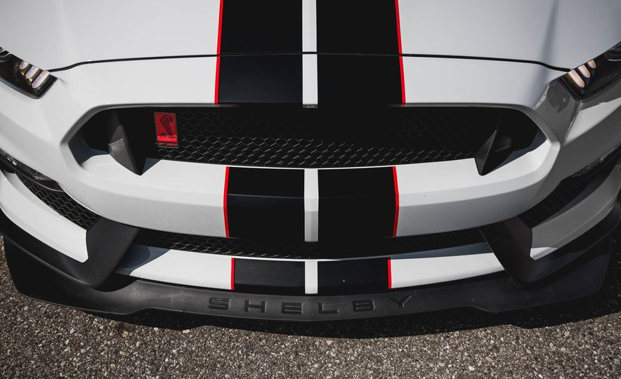 2016 Ford Mustang Shelby GT350Rs - Slide 9
