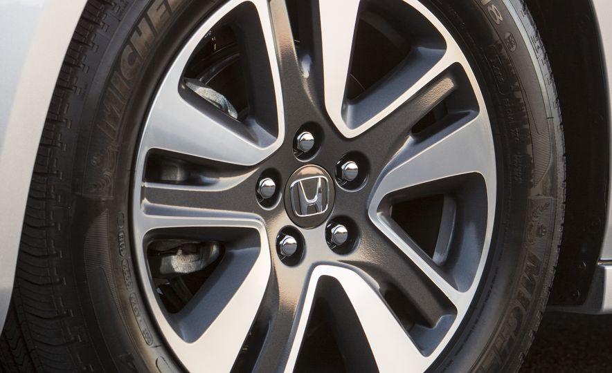 2016 Honda Odyssey SE - Slide 15