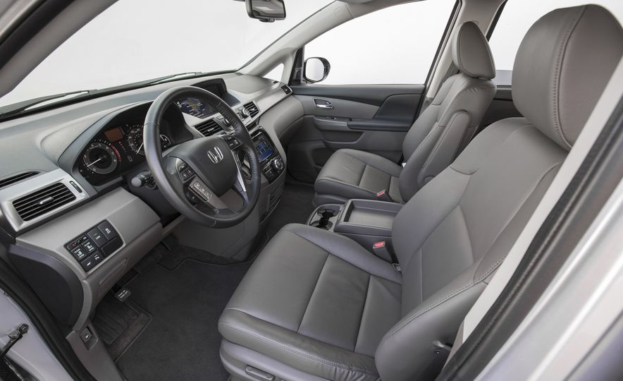 2016 Honda Odyssey SE - Slide 18
