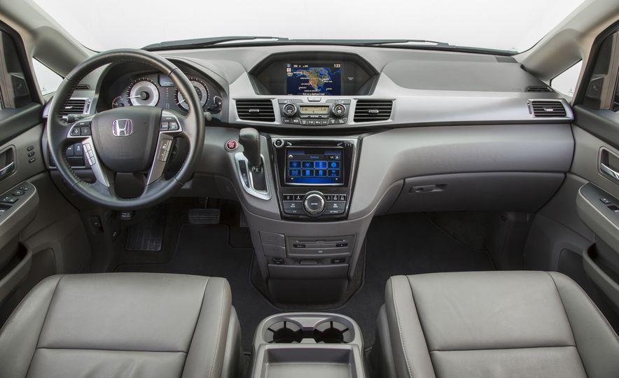 2016 Honda Odyssey SE - Slide 19