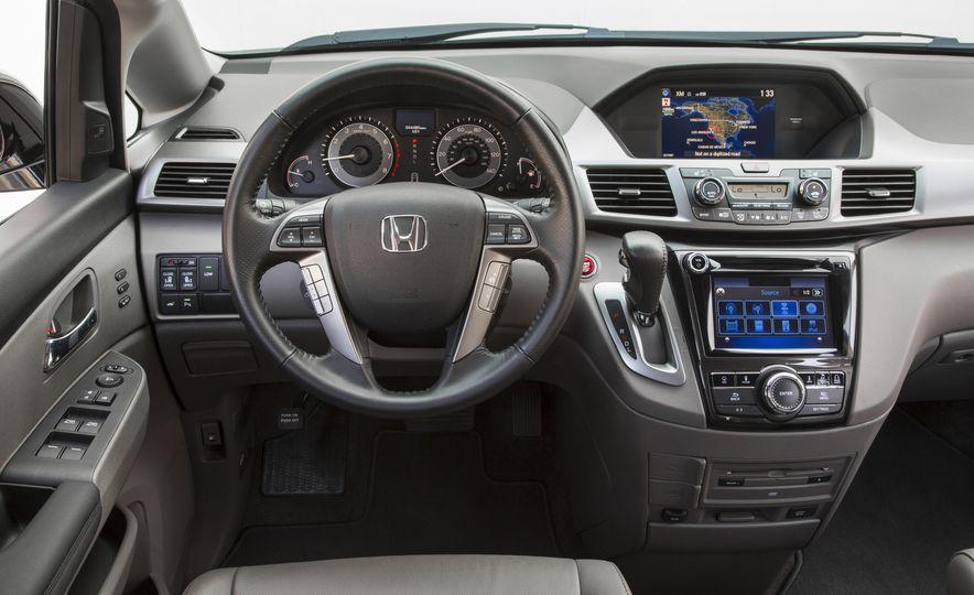 2016 Honda Odyssey SE - Slide 20
