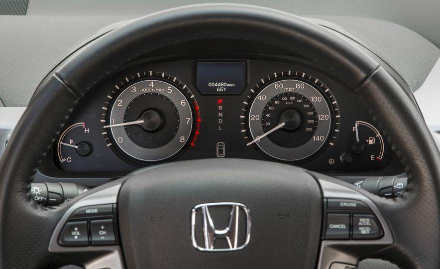2016 Honda Odyssey SE - Slide 22