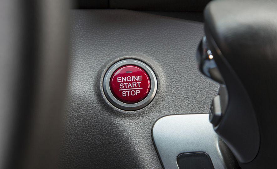 2016 Honda Odyssey SE - Slide 24