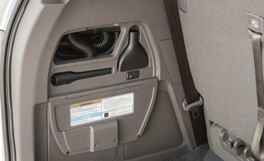 2016 Honda Odyssey SE - Slide 26