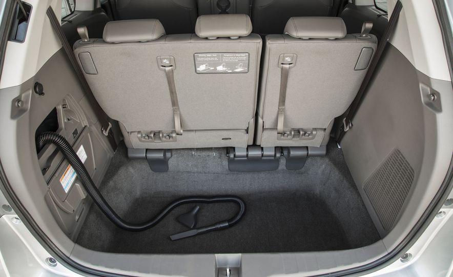 2016 Honda Odyssey SE - Slide 27
