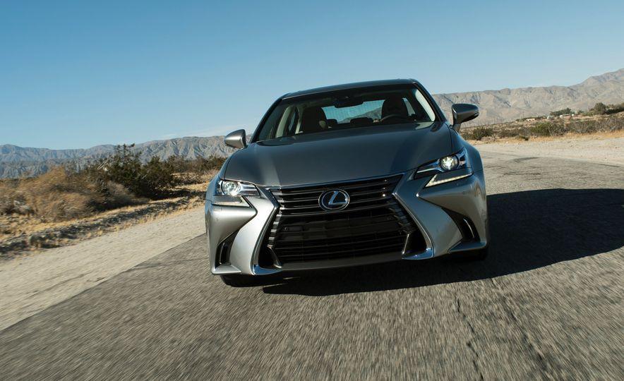 2016 Lexus GS200t - Slide 10