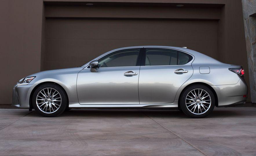 2016 Lexus GS200t - Slide 15