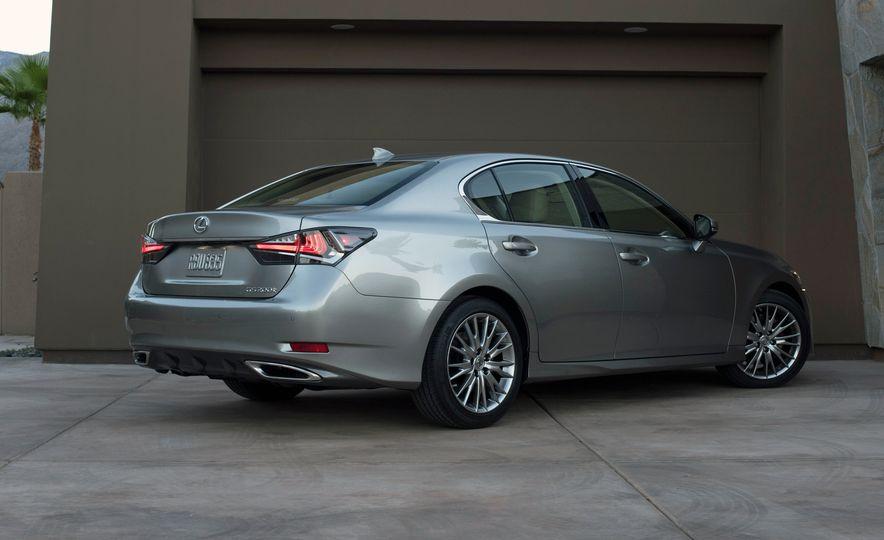 2016 Lexus GS200t - Slide 16
