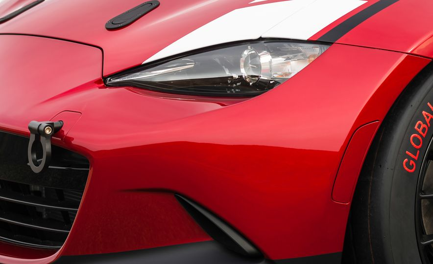 2016 Mazda MX-5 Miata Cup race cars - Slide 20