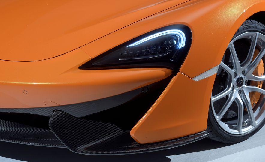 2016 McLaren 570S - Slide 20