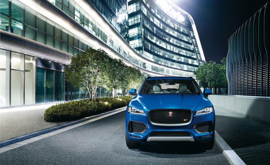 2017 Jaguar F-Pace - Slide 43